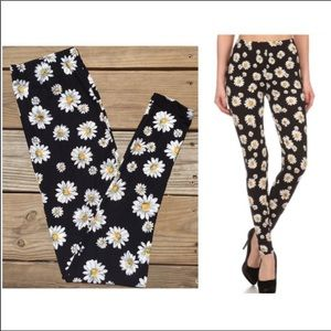 New Mix Field of Daisies Leggings!